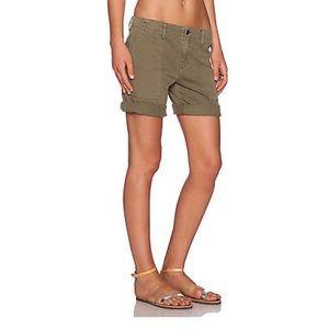 Sanctuary kaki shorts cute details! 